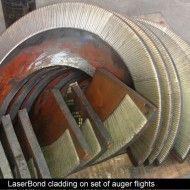 Laserbond-cladding-on-set-of-auger-flights.900px.jpg